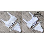 Patentos bikini fehér színben