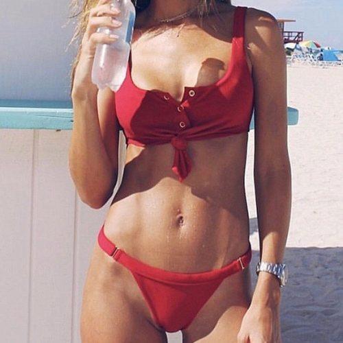 Patentos bikini piros színben