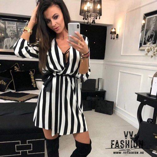 Fekete-fehér csíkos ingruha